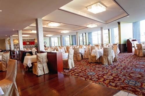Golden Pebble Hotel – Dining