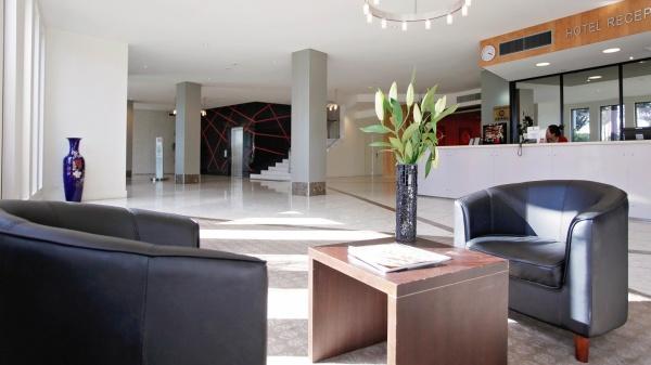 金石滩酒店 – 前台